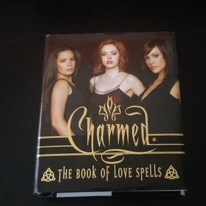 Charmed Book of Love Spells (Miniature Editions)